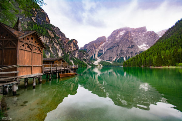 debora_branda_palafitte_lago_montagna
