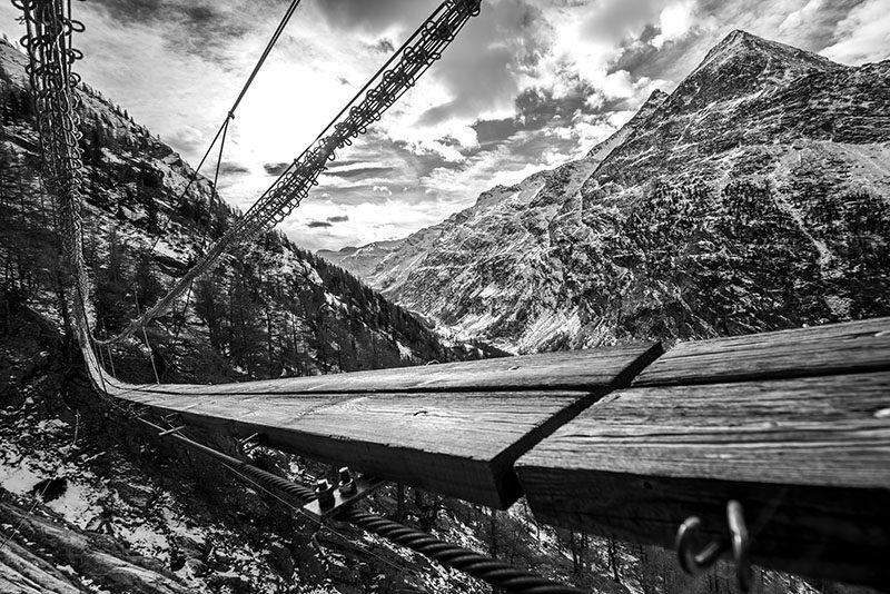 hohler_nicola_ponte_sospeso